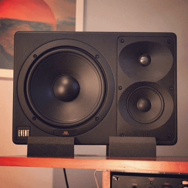 choosing the best studio monitors sean divine productions. Black Bedroom Furniture Sets. Home Design Ideas